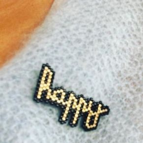 MOB 31 Broche Happy
